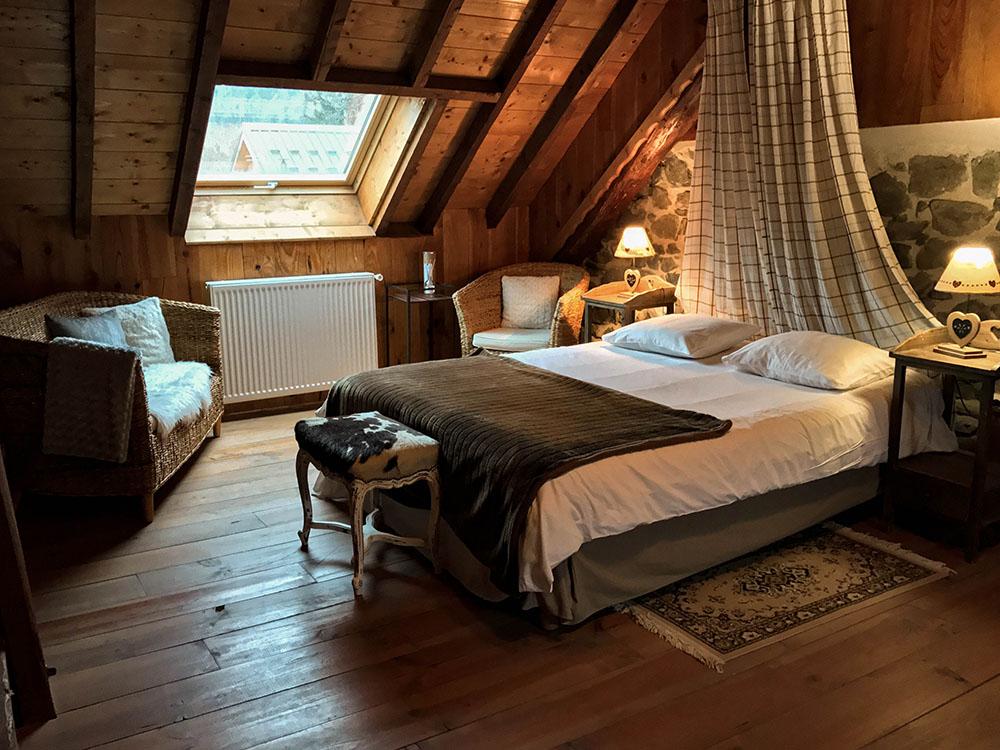 La Cle des Bois - Chambres d'hôtes à Bourg d Oisans - Suite alpage - chambre