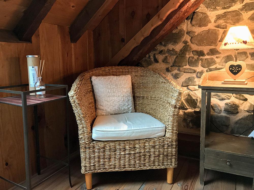La Cle des Bois - Chambres d'hôtes à Bourg d Oisans - Suite alpage - fauteuil