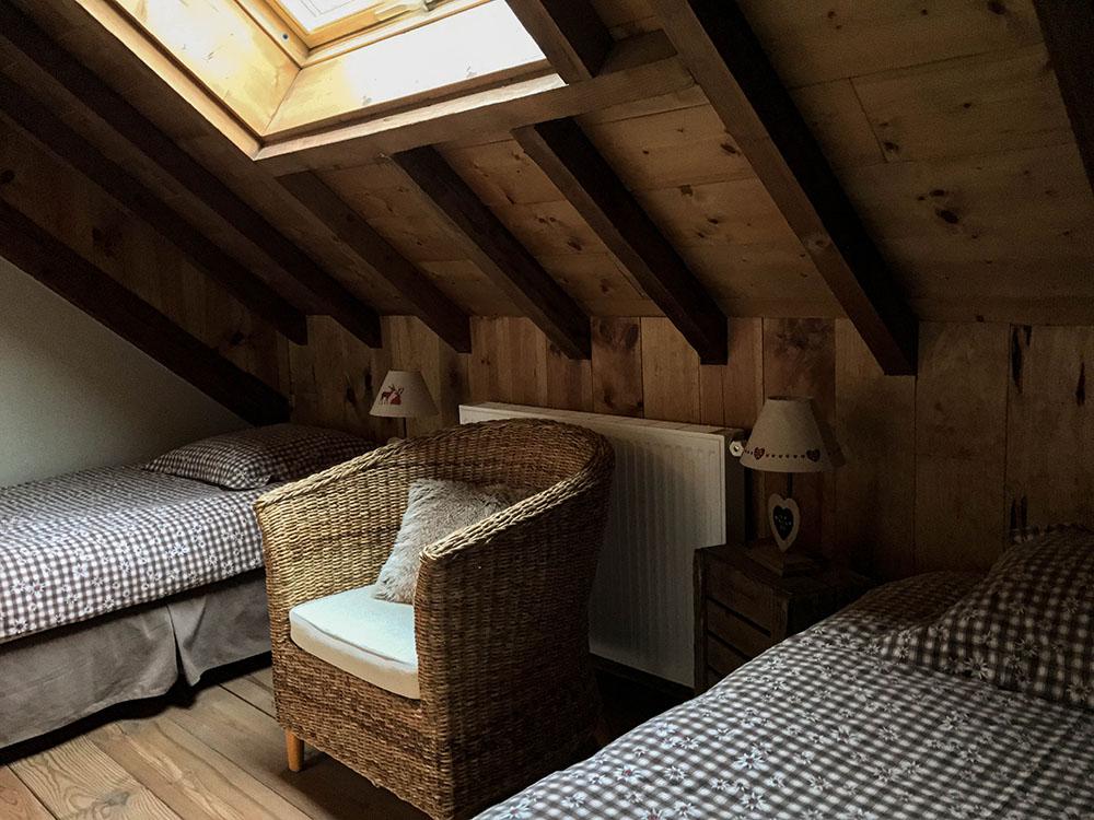 La Cle des Bois - Chambres d'hôtes à Bourg d Oisans - Suite alpage - lits