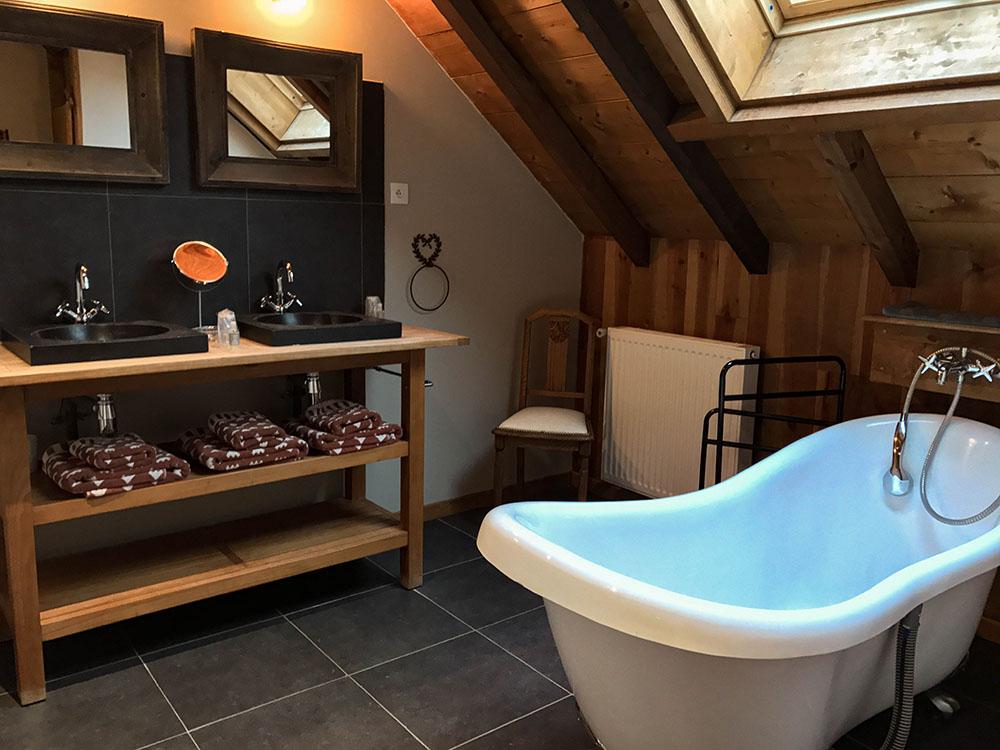 La Cle des Bois - Chambres d'hôtes à Bourg d Oisans - Suite alpage - salle de bain 2