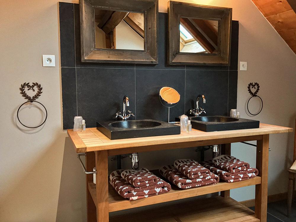 La Cle des Bois - Chambres d'hôtes à Bourg d Oisans - Suite alpage - salle de bain