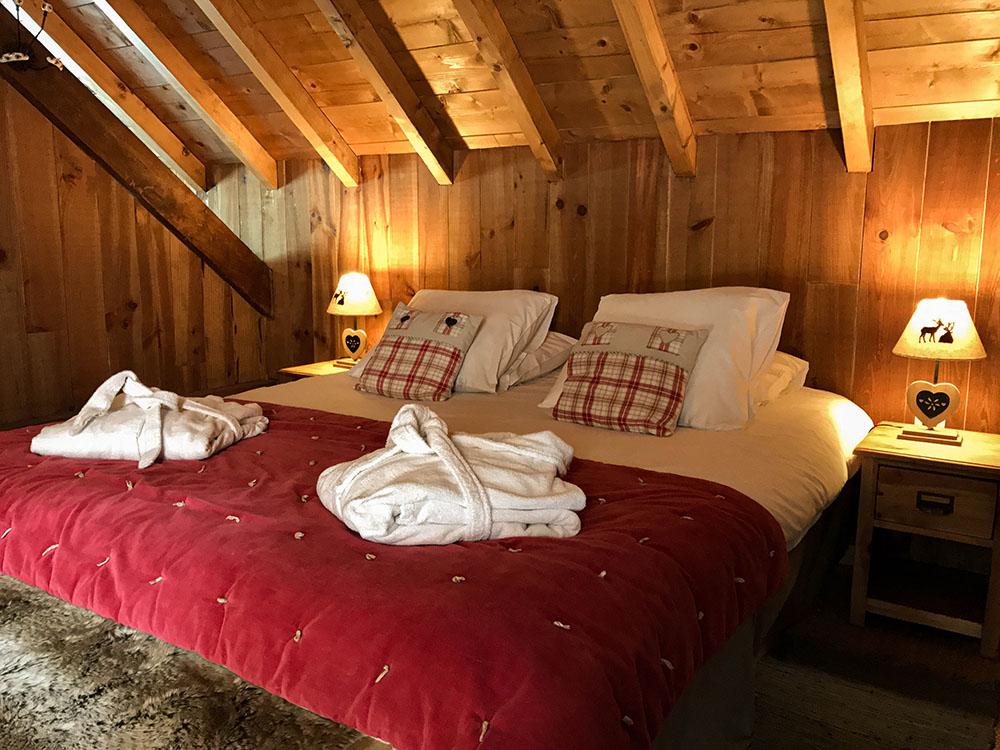 La Cle des Bois - Chambres d'hôtes à Bourg d Oisans - Suite épicéa - lit 2