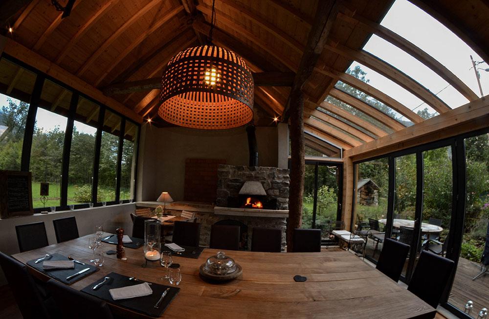 La Cle des Bois - Chambres d'hôtes à Bourg d Oisans cuisine d'été table d'hôtes en Oisans