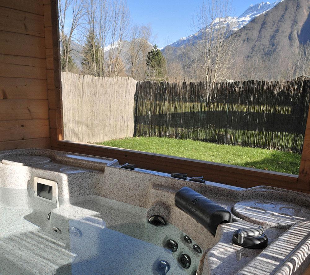 La Cle des Bois - Chambres d'hôtes à Bourg d Oisans - jacuzzi détente cyclisme proche Alpe d'Huez