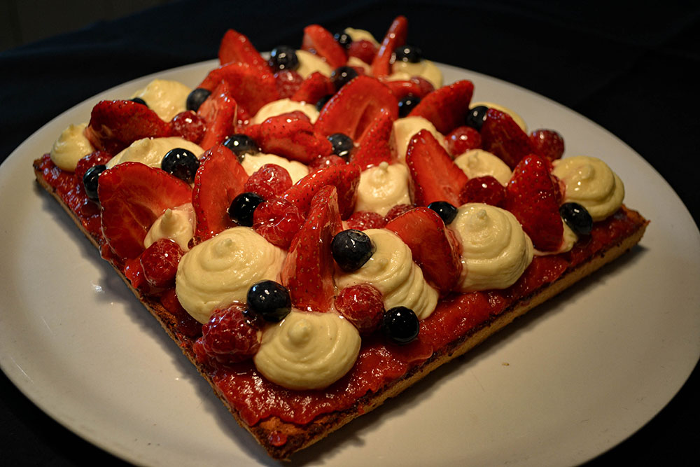 La Cle des Bois - Chambres d'hôtes à Bourg d Oisans - table d'hôtes authentique - tarte aux fraises